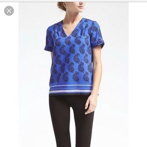 EUC! Banana Republic v-neck blouse XL royal blue